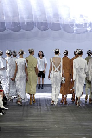 images/cast/00000432442972034=my job on fabrics alexander wang Summer 2011